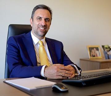 Ο Ιωάννης Μπαβέας είναι δικηγόρος στον Άρειο Πάγο και μέλος του Δ.Σ.Α. με κύριο αντικείμενο στην Αναγκαστικής Εκτέλεση, Εμπράγματο Δίκαιο και Ακίνητα.